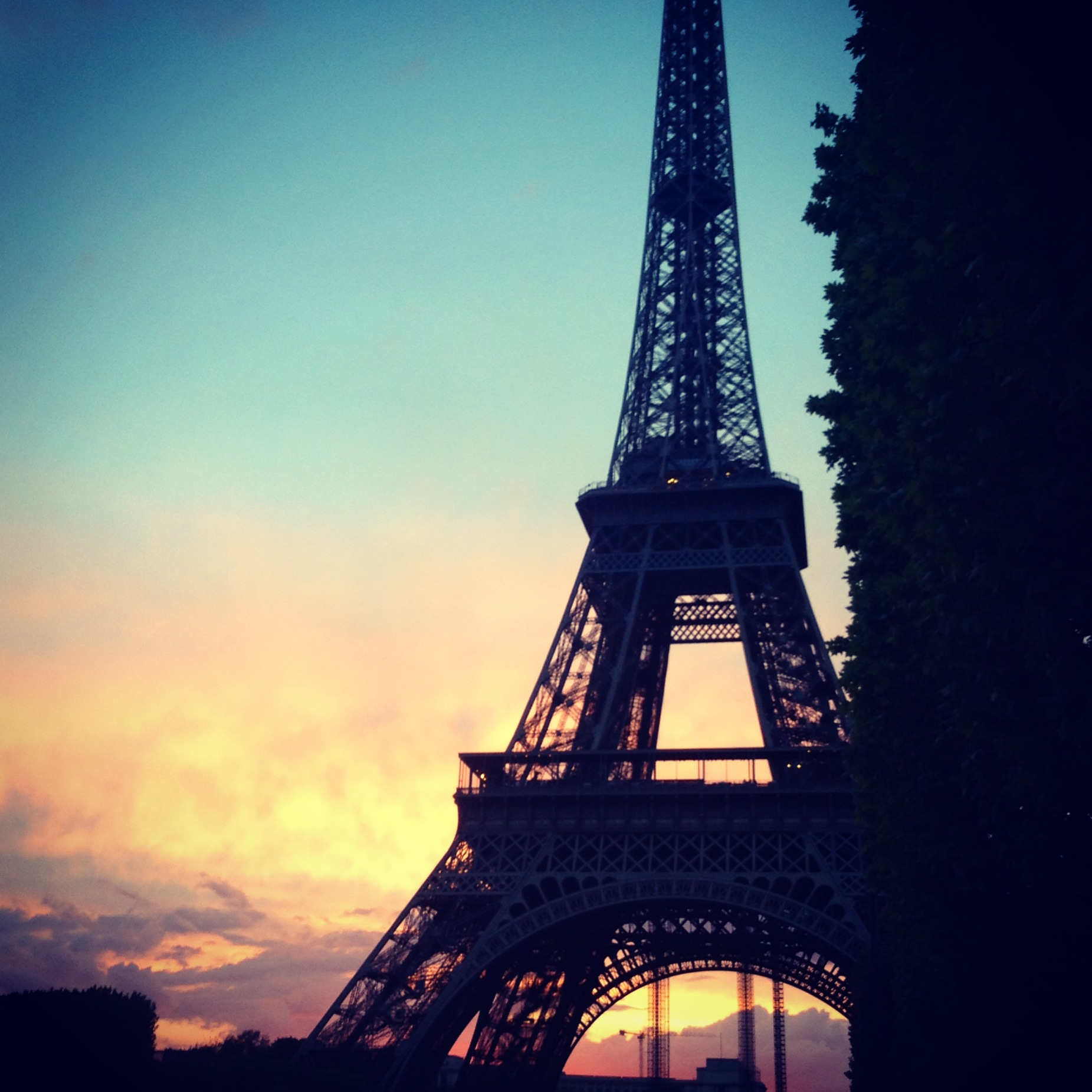 Eiffel Tower sunset | ... Eiffel Tower Silhouette Pink