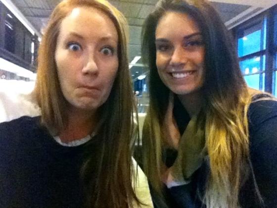 #airportselfie